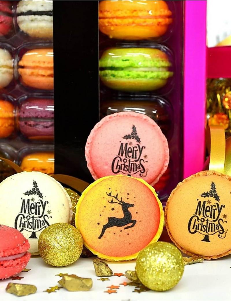 merry christmas - planet macarons